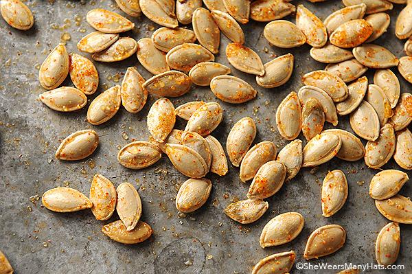toasted-pumpkin-seeds-recipe-41new.jpg