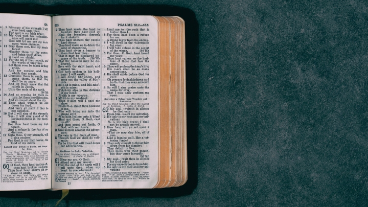 10 Scriptures to Cling to in the New Year